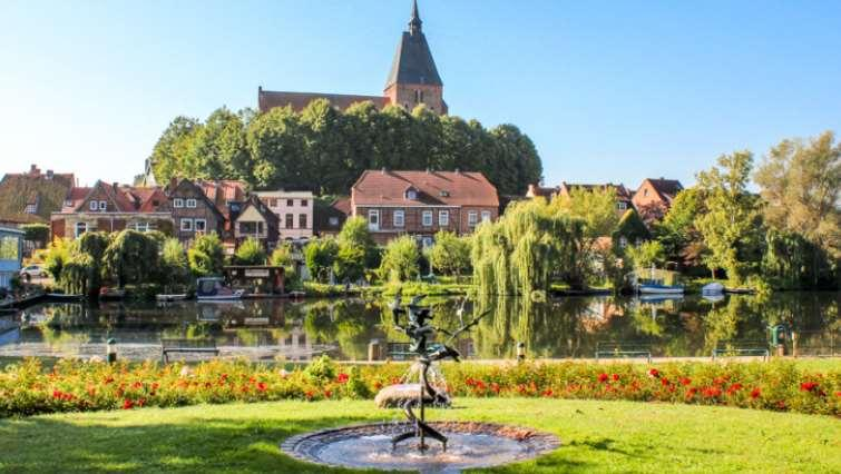 Germany - Baltic Sea, Hanseatic Cities & Old Salt Route Cycle Tour 2018 Individual Self-Guided 8 days/ 7 nights This tour takes you along the Baltic Coast cycle path from Lübeck to Wismar.