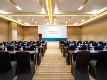 5 Novotel Yangon Max Indulge yourself in 5-star luxury 30 minutes' drive from Yangon International airport at Novotel Yangon Max.