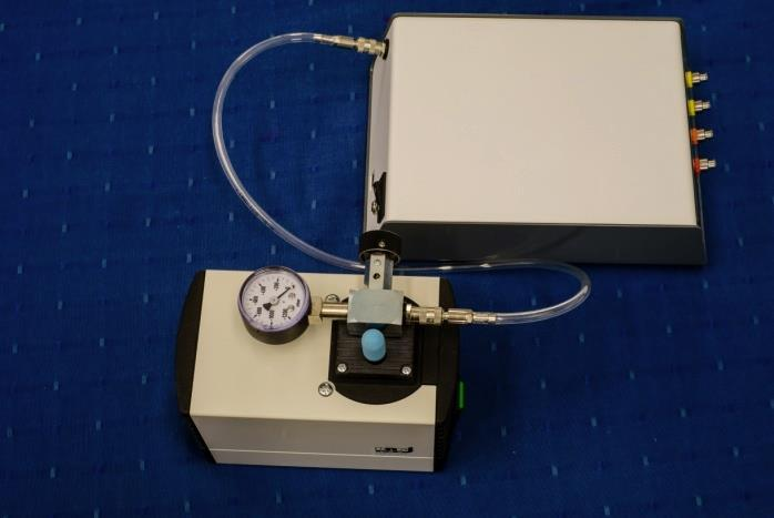 31156001 or 32305001) with a manual regulator and vacuometer.