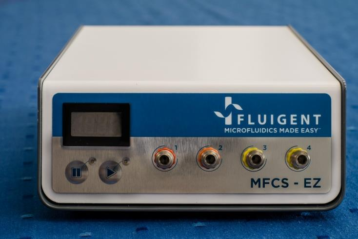 4. MFCS TM -EZ description Front plate description 1. Inlet pressure value display 1 2.
