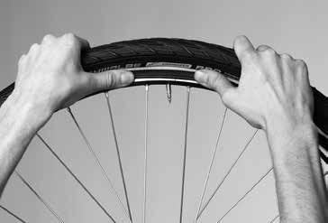 Depending on the Birdy type it is more difficult to remove and mount the rear wheel as compared to a standard bicycle. We recommend you practice this work before the first ride.