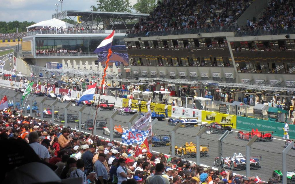 THE LE MANS EXPERIENCE Experience the 24 Hours of Le Mans the world s most famous spectacle of endurance racing as the finest sportscar racing teams converge on the pristine rolling countryside of