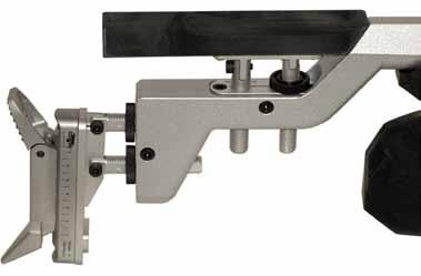 The screws can only be released and tightened using a screwdriver. The horizontal angle of the cheek piece can be adjusted to suit by actuating the rotary knobs [E1] and [F1].