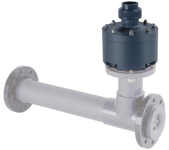 separate motor ball valves allowing manual emergency operation. The C 7522 changeover valve is fitted with relay contacts for remote signaling in the case of an empty tank.