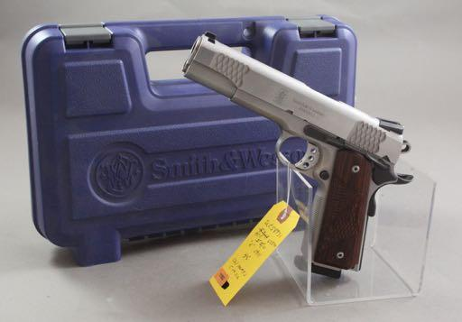 949.22 CALIBER REVOLVER SN: AF78203 SMITH & WESSON