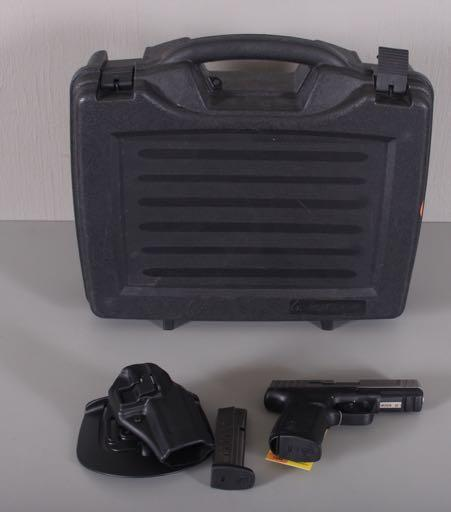 MAGAZINES, HOLSTER, MAG POUCH AND ORIGINAL HARD CASE