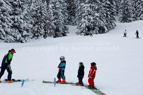 SKI LESSONS Ski Team4 package includes 6 x 5 hours of