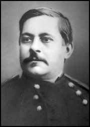MAJOR MARCUS RENO led U.S. Army troops as they fought the Lakota in Little Big Horn Valley. Due to the Major s actions during the battle, the American public blamed him for Custer s brutal defeat.