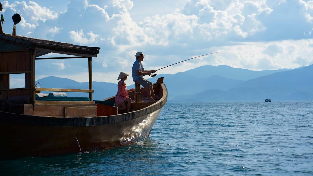 10 FISHING IN THE BAY Cruise the scenic bay with a local fisherman on a traditional