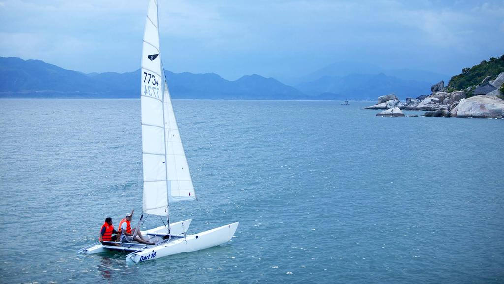 12 SAILING LESSONS Ninh Van Bay provides a special opportunity for newcomers looking to try their hand at the exhilarating sport of sailing.
