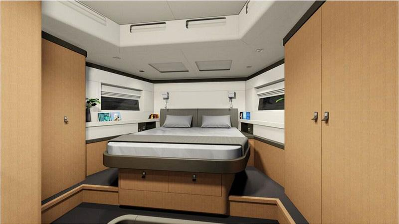 Owner's cabin Headroom: 2,11 m / 6 11 Central double bed (2,05 x 1,72 m / 6 9 x 5 8 - head forward) - slatted bed base - marine mattress (thickness: 120 mm / 5 ) Cubby hole lockers - drawers - glove