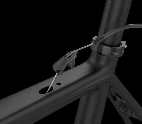 collar. Font section: Mesure the necessary cable housing to ensure a proper rotation of the handlebar.