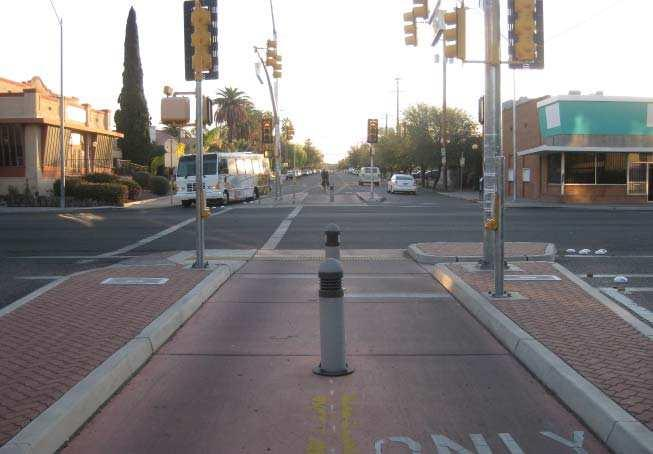 Arizona campus. While the existing center median limits through eastbound vehicular traffi c, it also prohibits bicyclists from entering the campus from 5th Street.