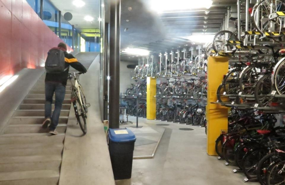 "The ""Bicycle parking"" workgroup The situation concerning bicycle parking will be a challenge in light of the increase of the proportion of bicycles in the City of Berne."