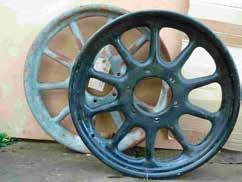 850. One off 20 inch, 52mm RW split centre, 60 spoke triple laced (outer 28, centre 30, inner 14), 2¾ inch rim section. Painted, good cond. 75. Peter Livesey. 07779 100343. peterlivesey@compuserve.