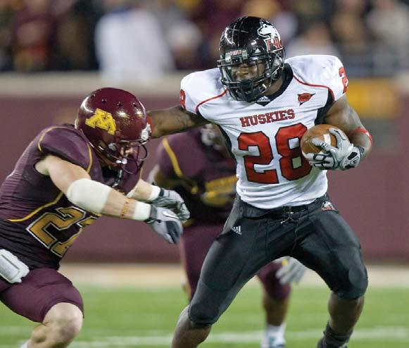 NIU HUSKIES FOOTBALL RECORDS RUSHING Yds. Player Opponent Date 129 William Andrews Kent State 10-23-99 129 Jordan Lynch Buffalo 10-13-12 203.