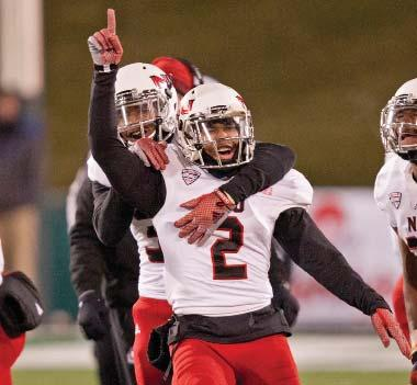 NIU FOOTBALL 2015 PLAYERS 2 MARLON MOORE Safety 5-9 197 Sr. 3L Mobile, Ala. C.F. Vigor HS 2013 2014 Appeared in all 14 games, earning starts at strong safety in 13 contests.