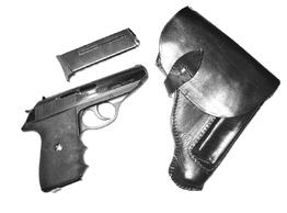 Besides Radom pistols, it holds many other pistols like the Hi-Power 1935, Colt Hammerless 1903 etc.