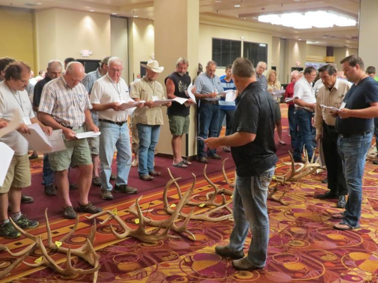 Page 4 2016 NAEBA International Antler Competition The 2016 International Antler Competition was a great opportunity to view antler genetics from all across North America!