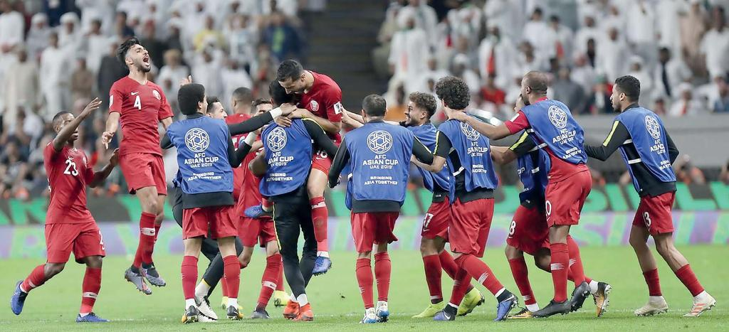 06 WEDNESDAY 30 JANUARY 2019 Triumph in Abu Dhabi as Al Annabi storm into Asian Cup final Jubilant Qatari players celebrate their 4-0 victory over UAE at the end of the AFC Asian Cup semi-final,