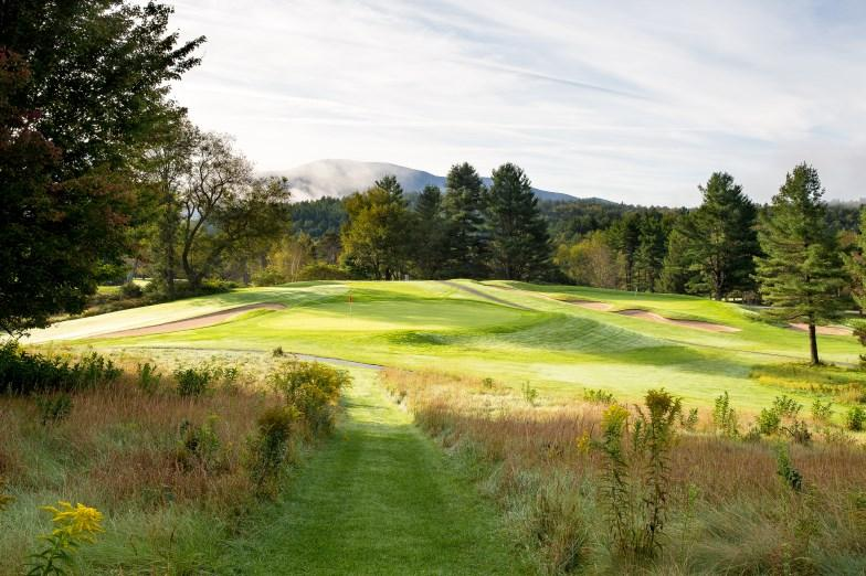 About Memberships at Stowe CC Stowe Country Club is communities golf course that offers incredibly value priced seasonal golf memberships. There are no initiations, no minimums, and no assessments.