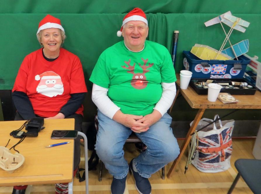 22 Xmas Indoors at Thorns - John Andrews Saturday December 15th saw Rachel and myself at our last indoor meeting of 2018 in the Thorns Collegiate Academy sports hall.