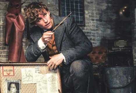 PAGE 18 December 2018 The Entertainer Crimes of Grindelwald is simply a fantastic movie By Aubrey Langlois Thank goodness for a rollercoaster ride of incredible films to make up for the lack of
