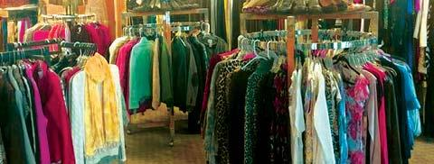 The Entertainer December 2018 PAGE 7 On the racks at Amber Rose, gently used items appear to be new, but you won t pay anywhere near the new price at this consignment shop in Richland s Uptown.