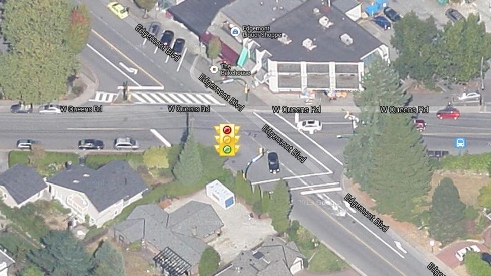 3.2.3 Edgemont Boulevard & West Queens Road This intersection is signalized.
