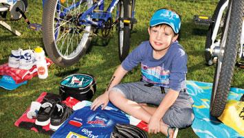 Step-By-Step Guide 4. What to leave in transition Official Weet-Bix Kids TRYathlon T-shirt with Bib Number attached. Bike with security sticker attached. Helmet with the security sticker attached.