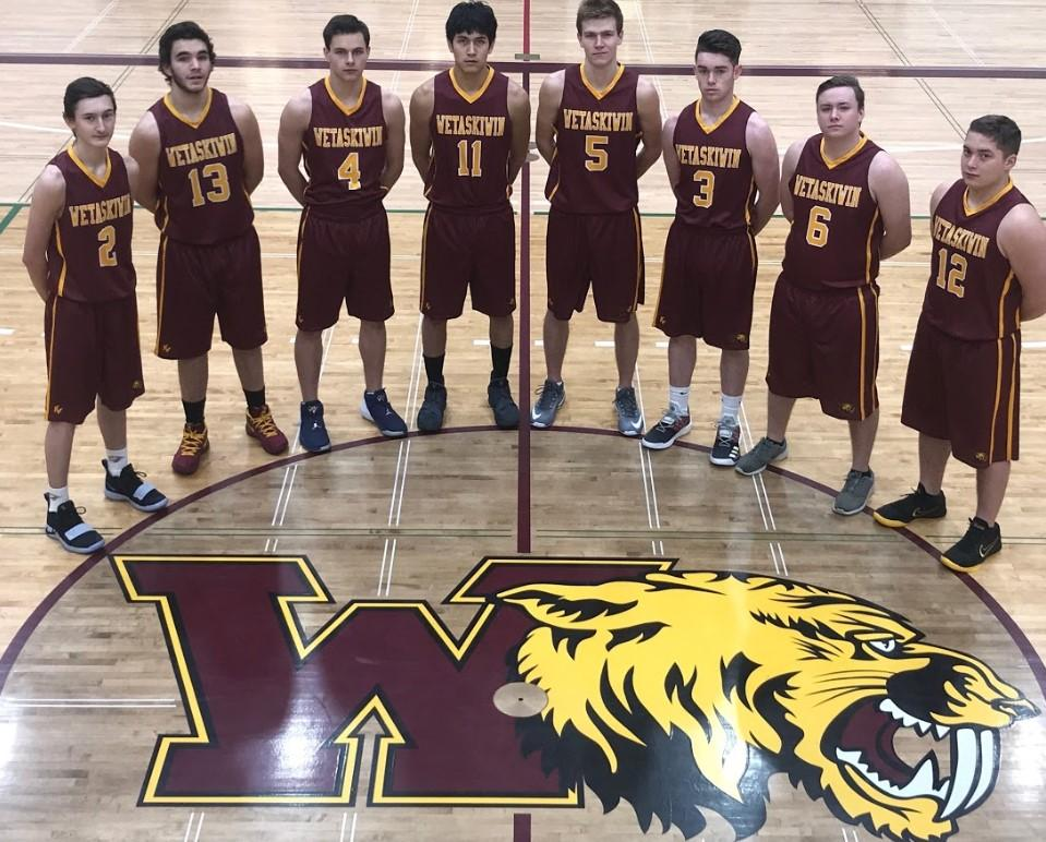 GREEN & GOLD VARSITY MEN 2018 School Name: Wetaskiwin Nickname: Sabres City, Province: Wetaskiwin, Alberta Coaches: R. Cross & J.