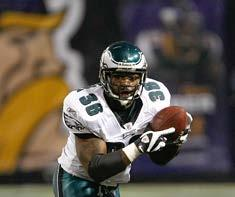 589 PETE RETZLAFF 452 BRIAN WESTBROOK 426 LONGEST - TENURED PRO ATHLETES IN PHILADELPHIA ACTIVE